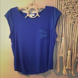 Tops - M Calvin Klein ladies top. Pretty blue 🦋